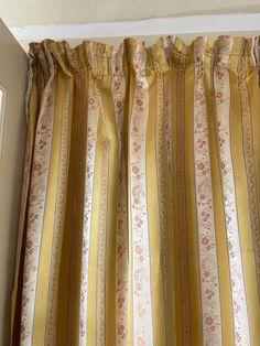 Vintage Biedermeier stripe gold and white curtains by MarieVintageStore on Etsy Damask Curtains, Striped Curtains, Gold And White Curtains, The White Stripes, Flower Garlands, Vintage Velvet, Vintage Items, Etsy, Beautiful