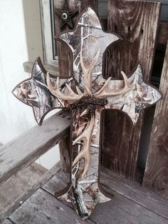 Camo Cross, love with the antlers! So need this for my living room Country Decor, Rustic Decor, Deer Decor, Wall Decor, Deer Horns Decor, Camo Rooms, Camo Room Decor, Deer Mounts, Wall Crosses