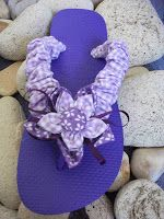 Find a new collection of hand decorated Flip-Flops, with different designs. Prices range from to £ - For branded Flip-Flop's,. Flip Flop Craft, Decorating Flip Flops, Crochet Sandals, Arts And Crafts, Diy Crafts, Flipping, Something To Do, Summer, Thongs