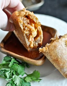 8. Mini Whole-Wheat BBQ Chicken Calzones #healthy #portable #recipes http://greatist.com/eat/portable-meals-you-can-legit-eat-with-your-hands