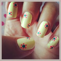 Pastel yellow, blue-and-pink dot-flowers. Cute Nail Art, Easy Nail Art, Cute Nails, Pretty Nails, Flower Nail Designs, Cute Nail Designs, Finger, Nails Only, Summer Nails