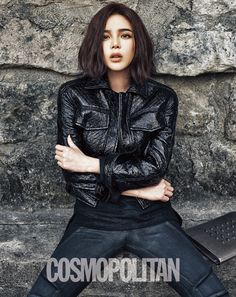 Park Si Yeon is chic in black for 'Cosmopolitan'