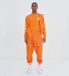 The complete Heron Preston Fall 2017 Menswear fashion show now on Vogue Runway. Mode Streetwear, Streetwear Fashion, Fashion Week, Fashion Show, Fashion Design, Paris Fashion, Fashion Guide, Fashion Blogs, Fashion 2016