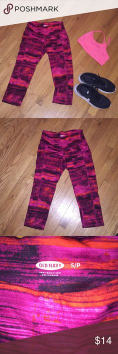 Capri yoga pants Add a burst of color to your work outs with these Capri yoga pants. Has a thick waist band and small slit pocket to hold keys or ID Old Navy Pants Track Pants & Joggers