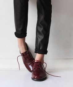 MINIMAL + CLASSIC: blood red oxfords #loafers #shoes #flats