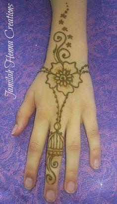 Simple and easy henna design Henna Designs Easy, Henna Tattoo Designs, Mehndi Designs, Henna Tattoos, Simple Henna, Easy Henna, Cute Henna, Henna Tutorial, Henna Patterns