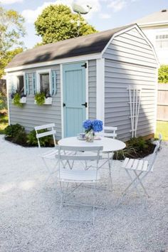 10 gorgeous DIY she shed makeover ideas. These ladies turned a tool shed into a backyard retreat. See these awesome shed makeovers, including office space, backyard entertainment, reading shed and more. Backyard Sheds, Outdoor Sheds, Backyard Retreat, Backyard Patio, Backyard Landscaping, Landscaping Ideas, Backyard Office, Backyard Studio, Patio Planters
