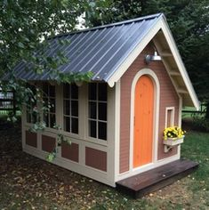 Building your little one a playhouse in the backyard will surely make them happy. However, you'll want it to be safe as well as beautiful. There are a few things you should know before you build a playhouse for kids. Kids Playhouse Plans, Outside Playhouse, Build A Playhouse, Playhouse Outdoor, Wooden Playhouse, Shed Storage, Shed Plans, Coop Plans, Building Plans