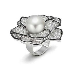 Bling Jewelry Pearl Black and White CZ Rose Cocktail Ring ($50) ❤ liked on Polyvore featuring jewelry, rings, white, wedding band rings, flower ring, rose ring, cz rings and cubic zirconia rings