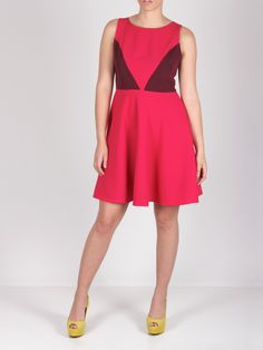 Vestido fucsia con falda de capa #dress