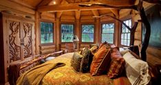 18 Rustic Cabin Interior Design Ideas Images - Rustic Log Cabin Interior Design, Rustic Country Style Living Room and Small Rustic Cabin Decor Rustic Country Bedrooms, Rustic Bedroom Design, Rustic Master Bedroom, Rustic Home Design, Dream Bedroom, Bedroom Designs, Wooden Bedroom, Country Interior, Tuscan Bedroom