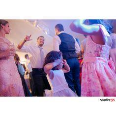 #fotografia #fotografiadecasamento #fotografiadecasamentocuritiba #casamento #casamentocuritiba #noivos #noiva #wedding #weddingbrasil #vestidodenoiva #weddinginspiration #photografy #weddingdress #weddingandlove #weddingphotografer #weddingday #weddingphotografy #weddingpics #photos #photografer #vestidadenoiva #noivadoano #noivascuritiba #weddingidea #inesquecivelcasamento  #weddinginspiration #noiva2017 #fotografiacasamento #fotografocuritiba