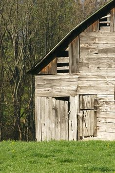 Picture of Old wooden barn in West Virginia   PlanetWare