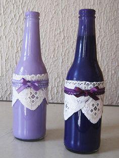 Garrafa colorida decorada. Lindas e delicadas para colocar flores ou enfeitar lugares originais.