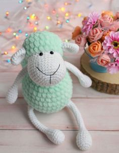 Crochet plush sheep - FREE amigurumi pattern These sweet amigurumi sheep are created in the blink of an eye! The pattern is super-easy and perfect for beginners. To crochet plush sheep amigurumi you'l Crochet Simple, Crochet Diy, Crochet Amigurumi, Easter Crochet, Amigurumi Doll, Crochet Crafts, Crochet Dolls, Yarn Crafts, Crochet Projects