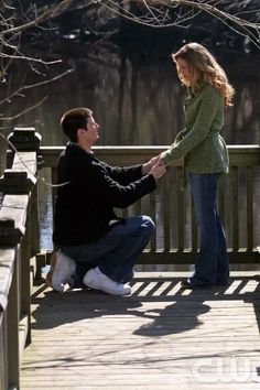 Nathan & Haley - One Tree Hill. I repin everything I find in the popular section that's one tree hill related