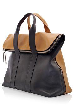 Hour' Bag Caramel & Black Leather Bag, by Phillip Lim Más Black Leather Bags, Leather Purses, Leather Handbags, Men's Leather, Tote Handbags, Purses And Handbags, Hobo Purses, Big Purses, Tote Bags