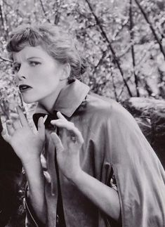katharine hepburn keeps me going. kh researcher/enthusiast/collector here to keep her memory alive as accurately as possible. Hollywood Actor, Hollywood Actresses, Classic Hollywood, Classic Actresses, Classic Films, Ford, Katharine Hepburn, Female Stars, Best Actress