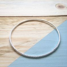Hummingbird, My Etsy Shop, Bangles, Hoop Earrings, Texture, Trending Outfits, Unique Jewelry, Handmade Gifts, Shopping