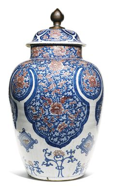 A LARGE UNDERGLAZE-BLUE AND RED JAR AND COVER<br>QING DYNASTY, KANGXI PERIOD | Lot | Sotheby's