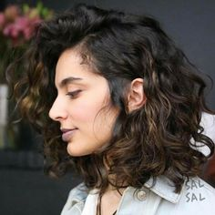 Hair Waves Side Bob Hairstyles 54 Ideas For 2019 Curly Hair Cuts, Short Curly Hair, Wavy Hair, New Hair, Curly Hair Styles, Hair Bangs, Hairstyles With Bangs, Pretty Hairstyles, Layered Hairstyles