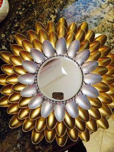 Plastic Spoon Mirror, Plastic Spoon Crafts, Plastic Spoons, Plastic Bags, Popsicle Crafts, Cd Crafts, Craft Stick Crafts, Diy Diwali Decorations, Mirror Crafts