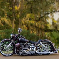 bmw yamaha for women gear girl harley tattoo Bicycle Paint Job, Bicycle Painting, Bagger Motorcycle, Motorcycle Wheels, Women Motorcycle, Custom Harleys, Custom Motorcycles, Custom Baggers, Custom Choppers
