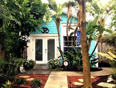 Little Cottage in Lake Worth For Sale — 500 sq ft