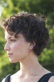 37 Ideas for hair curly short messy curls pixie cuts Short Curly Pixie, Curly Pixie Hairstyles, Curly Hair Styles, Short Hairstyles For Thick Hair, Curly Hair With Bangs, Haircuts For Curly Hair, Curly Hair Cuts, Short Hair Cuts, Pixie Cuts