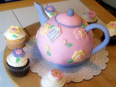 teapot cake Teapot Cake, Biscuit, Earl Grey Tea, Rice Dishes, Natural Herbs, Childrens Party, Cake Creations, Cake Art, Jars