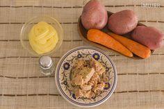 ¿Por qué no probar una comida diferente para el almuerzo o la cena?Hoy te enseñaré una rica y fresca ensalada de papa, zanahoria y atún, una combinación perfecta.Con unos pocos ingredientes puedes lograr la ensalada en un par de minutos.¡Inténtalo!Ingredientes:3 papas2 zanahorias200 gr de atún desmenuzado1/2 t
