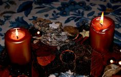 Ein weit`rer Sonntag im Advent, ... und auch die zweite Kerze brennt, es wird langsam dunkel drauss, und Plätzchenduft durchzieht das Haus. Jetzt noch `nen Kaffee oder Tee, da ziehe ich das Resümee, wer so genießt ganz stilgerecht, dem geht`s im Grunde nicht so schlecht. :-)