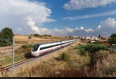 RailPictures.Net Photo: Renfe CAF 121 at León, Spain by Jesus Portas