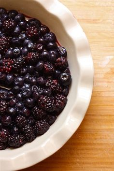How to Make a Healthy, Vegan Double Berry Crisp