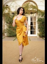 www.pinupgirlclothing.com AWESOME Vintage repros! -Ro