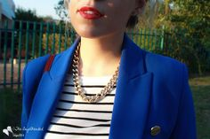 Cobalt blue blazer, Striped t-shirt, gold necklace Hipster Outfits, Cute Outfits, Fashion Over Fifty, Boyfriend Blazer, Petite Style, Work Attire, Petite Fashion, Fashion Pictures, Primary Colors