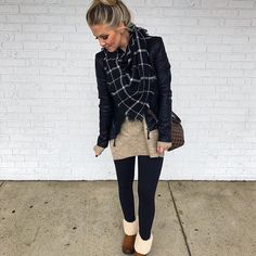 Here are 40 Winter Outfit ideas to start winter in a very stylish way. These are must see Winter Outfits for every girl. Winter Outfits for winter style. Stylish Winter Outfits, Casual Fall Outfits, Fall Winter Outfits, Classy Outfits, Winter Style, Casual Street Style, Casual Chic Style, Fall Fashion Trends, Winter Fashion