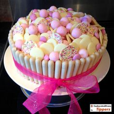 Pink, girly and full of sweets - White choc cake Crazy Cakes, Fancy Cakes, Girly Cakes, Food Cakes, Cupcake Cakes, Torta Candy, Amazing Cakes, Beautiful Cakes, Birthday Cake Girls