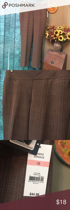 "NWT Kim Rogers Dress Pants Size 10 New Kim Rogers dress pants / slacks size 10. A very nice color make these quite a nice, and versatile, piece in the wardrobe for lots of use and for pairing with many different tops. Approximate length 42"" waist 17"" ✌️❤️😊 Kim Rogers Pants"