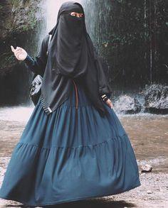 Hijab Dp, Hijab Niqab, Muslim Hijab, Hijab Dress, Mode Hijab, Hijab Outfit, Arab Girls Hijab, Muslim Girls, Muslim Women