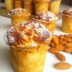 Goblet of almond (cakes)