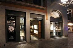 Joyeria Fortia, the finest watches and jewellery in Girona. Alpina Watches, Girona Spain, Shop Fronts, Fine Watches, Watches Online, Luxury Watches, Retail, Jewellery, Stuff To Buy