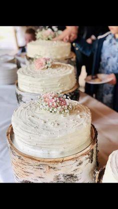 Kuvio kermaan teelusikalla Kermit, Vanilla Cake, Desserts, Food, Vanilla Sponge Cake, Meal, Deserts, Essen, Hoods