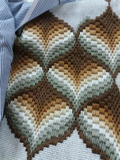 Broderie Bargello, Bargello Needlepoint, Bargello Quilts, Needlepoint Stitches, Needlework, Hand Embroidery Kits, Hardanger Embroidery, Cross Stitch Embroidery, Ribbon Embroidery