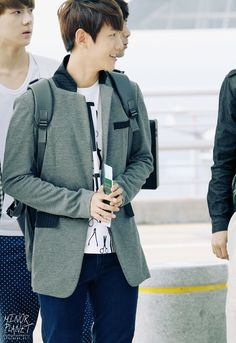 12.06.09 Incheon Airport - Leaving for SMTown Taiwan (Cr: minor planet: 19920506.net)