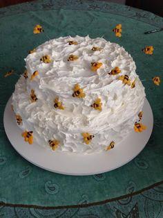 Bolo com abelhinhas