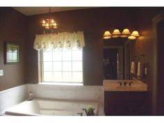 Jacuzzi tub in master bath view