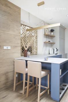 Projekt NAVY - granatowa, elegancka kuchnia w klasycznym stylu Kitchenaid, Breakfast Nook, House Design, Table, Furniture, Home Decor, Interiors, Cooking, Places To Visit
