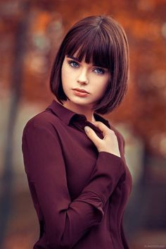 Good Looking Wedge Haircut For 2019 NALOADED is part of Hair cuts - Good Looking Wedge Haircut For 2019 Are searching for some hairdo and hairstyles thoughts that m Short Hair Cuts, Short Hair Styles, Wedge Haircut, Haircuts With Bangs, Photography Women, Face Photography, Photography Portraits, Woman Face, Beautiful Eyes
