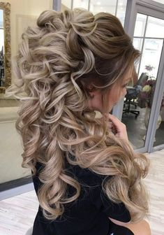 65 New Long Wedding Hairstyles & Updos from Elstile - Haare und Beauty - Frisyrer Wedding Hairstyles For Long Hair, Wedding Hair And Makeup, Formal Hairstyles, Bride Hairstyles, Cute Hairstyles, Bridal Hair, Hairstyle Men, Graduation Hairstyles With Cap, Wedding Beauty